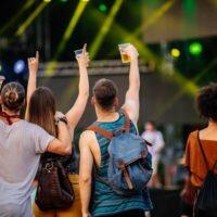 Comment s'organiser et s'habiller pour un festival de musique ?